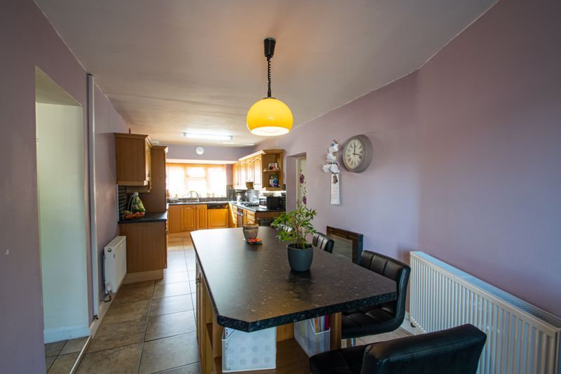 6 bed house for sale in Springfield Road 4