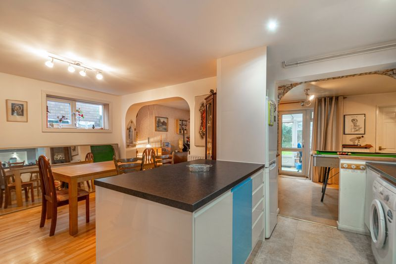 4 bed house for sale in Bodenham Close  - Property Image 2