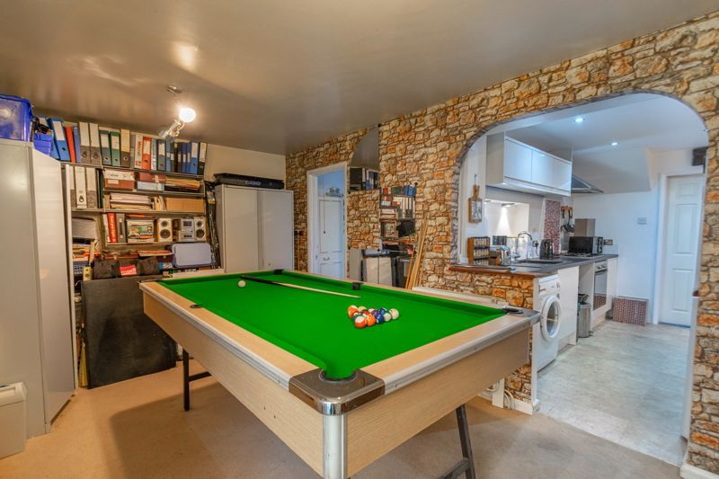 4 bed house for sale in Bodenham Close  - Property Image 6
