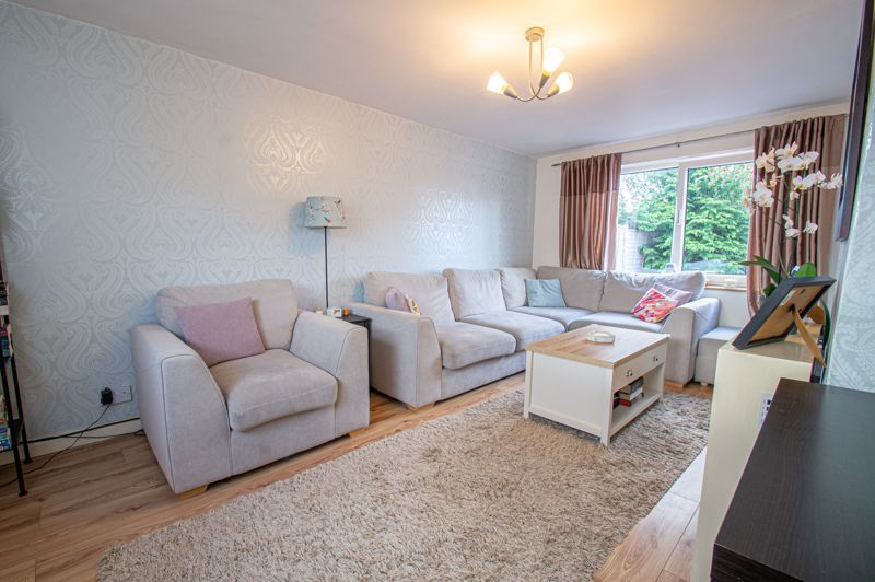 2 bed house for sale in Catherine Close 2