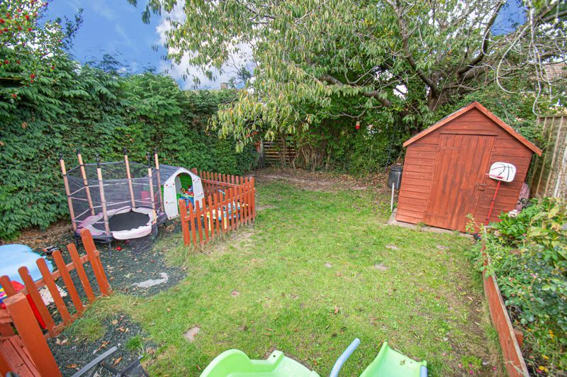 2 bed house for sale in Catherine Close 12