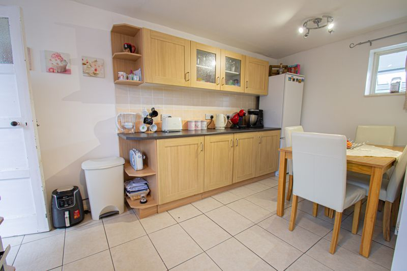 2 bed house for sale in Catherine Close 5