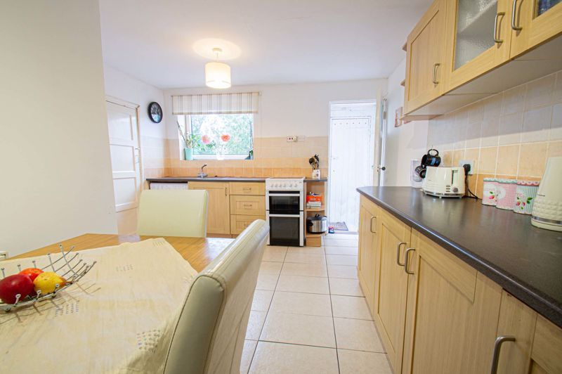 2 bed house for sale in Catherine Close 7