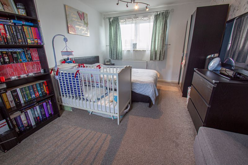 2 bed house for sale in Catherine Close 8