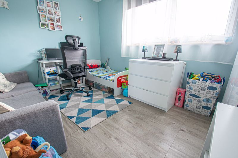 2 bed house for sale in Catherine Close 9