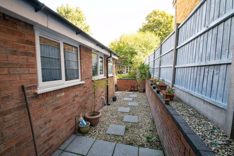 2 bed house for sale in Swan Street  - Property Image 11