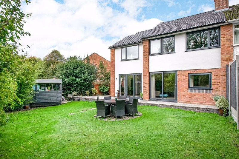 4 bed house for sale in Stonehouse Road  - Property Image 13
