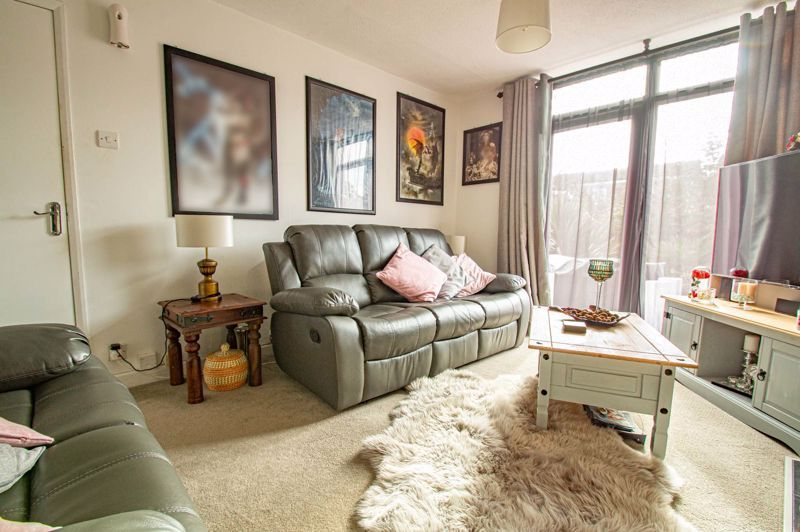 2 bed house for sale in Drayton Close 2