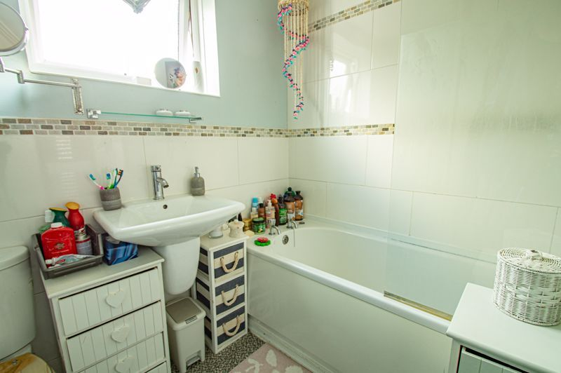 2 bed house for sale in Drayton Close 12