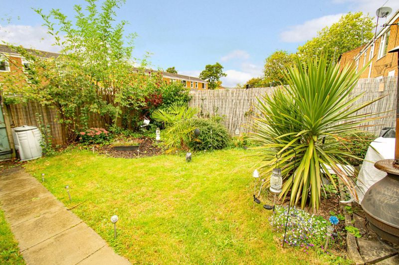 2 bed house for sale in Drayton Close 13