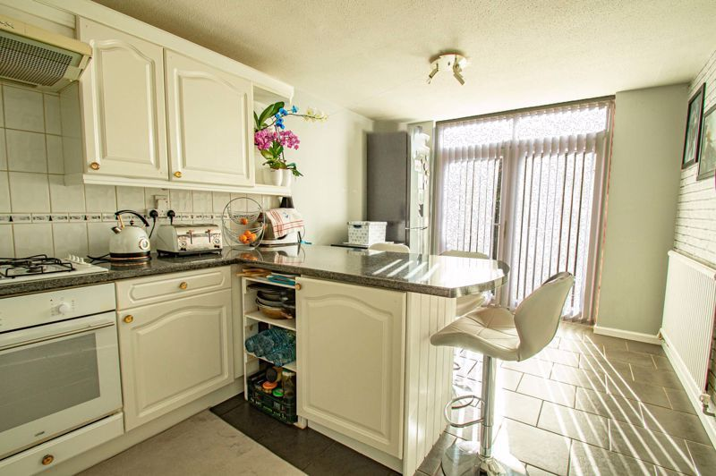 2 bed house for sale in Drayton Close  - Property Image 5