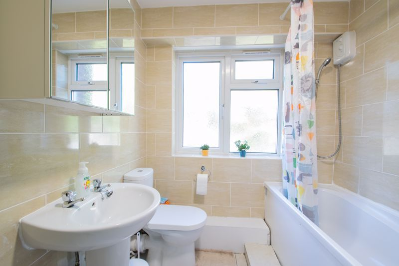 2 bed flat for sale in Melville Road 12