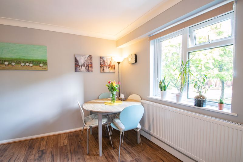 2 bed flat for sale in Melville Road 4