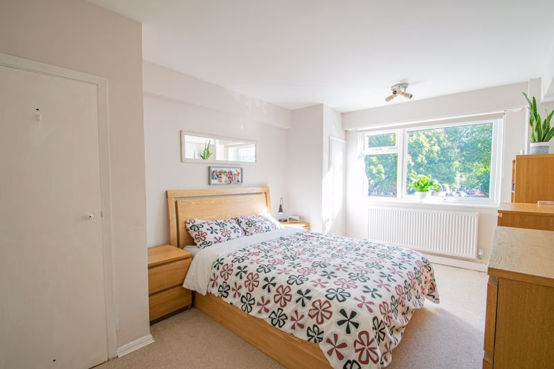 2 bed flat for sale in Melville Road 8