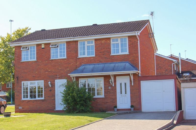 2 bed house for sale in Stoneleigh Close - Property Image 1