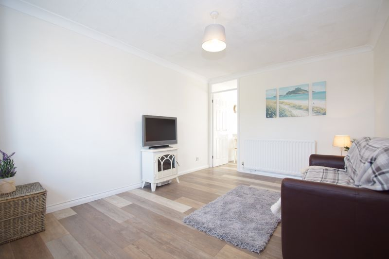 2 bed house for sale in Stoneleigh Close 2