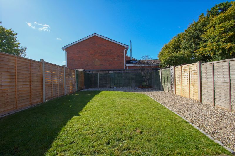 2 bed house for sale in Stoneleigh Close 12