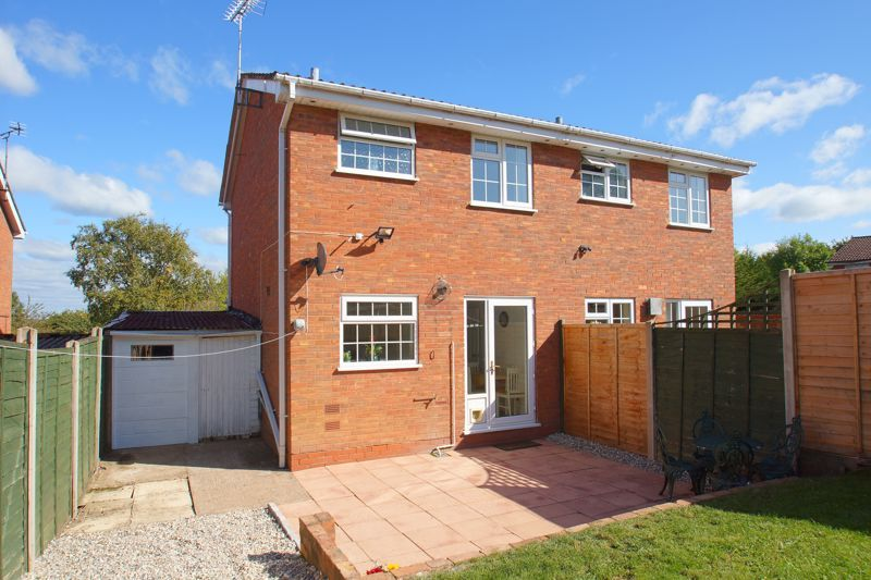 2 bed house for sale in Stoneleigh Close 13