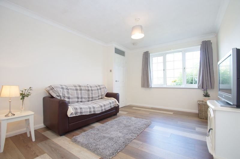 2 bed house for sale in Stoneleigh Close 4