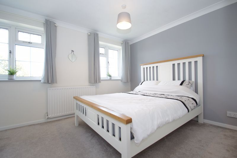 2 bed house for sale in Stoneleigh Close 7
