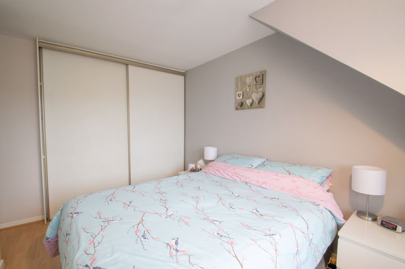 3 bed house for sale in Long Innage 16