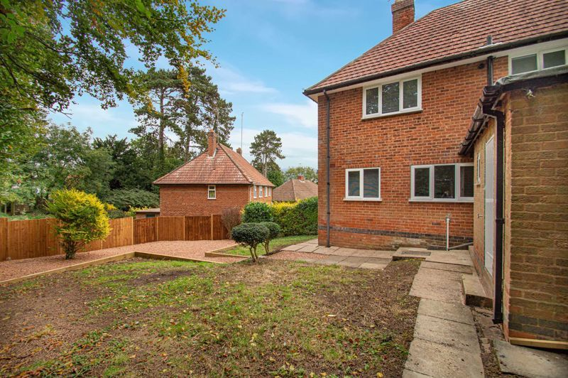 3 bed house for sale in Lilac Close 14