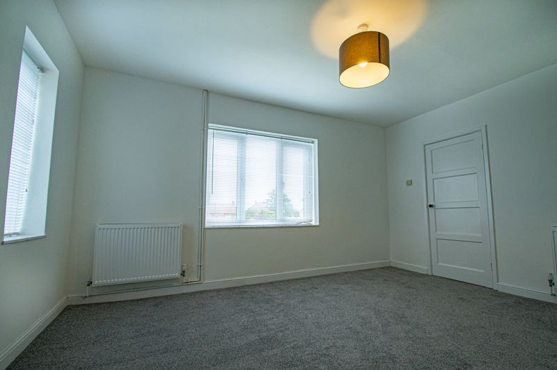 3 bed house for sale in Lilac Close 3