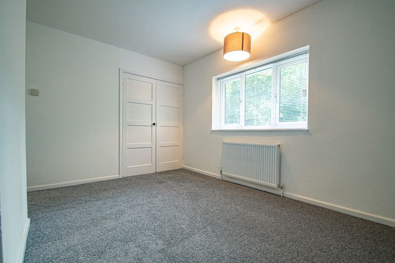 3 bed house for sale in Lilac Close 9