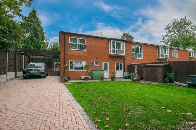 3 bed house for sale in Greenlands Avenue 1