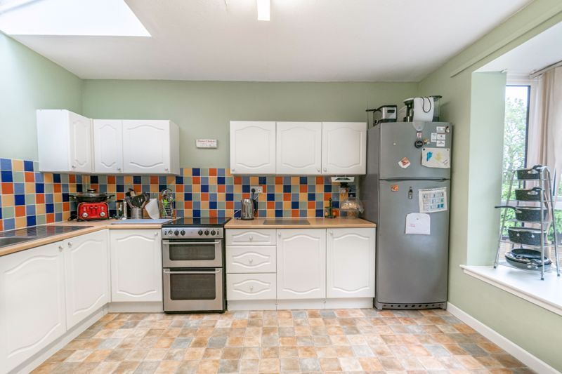 3 bed house for sale in Greenlands Avenue 2
