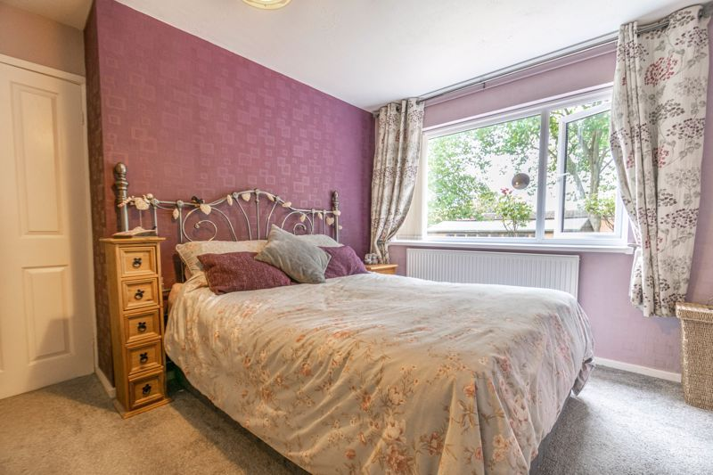3 bed house for sale in Greenlands Avenue 9