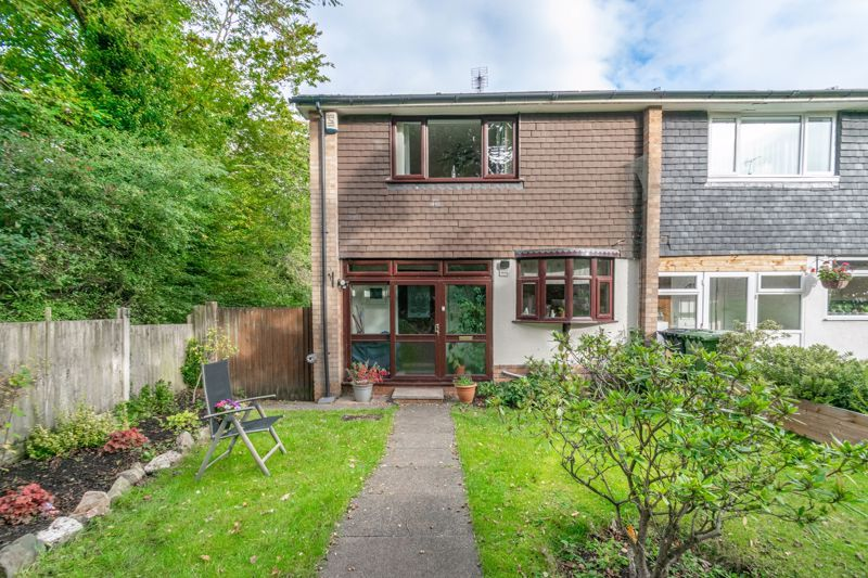 3 bed house for sale in Wirehill Drive  - Property Image 1