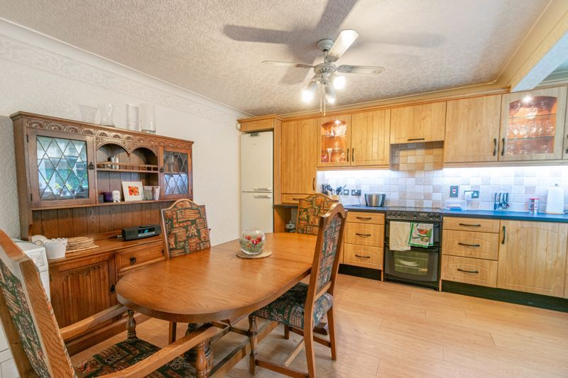 3 bed house for sale in Wirehill Drive 2