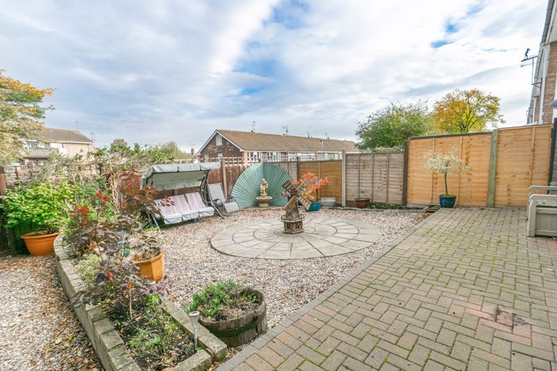 3 bed house for sale in Wirehill Drive 11