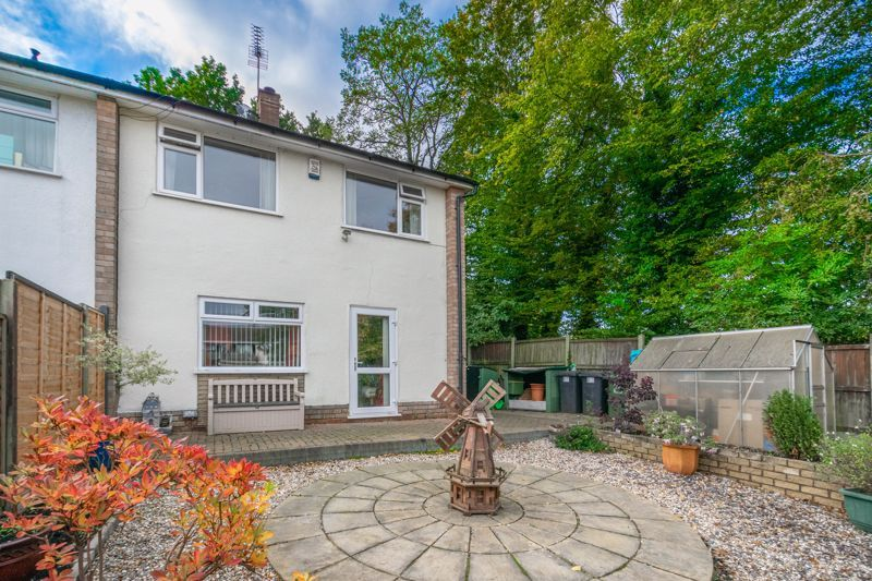 3 bed house for sale in Wirehill Drive 12