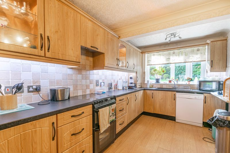 3 bed house for sale in Wirehill Drive 3