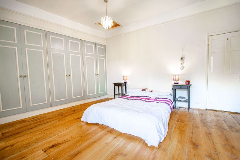 6 bed house for sale in Worcester Road  - Property Image 11