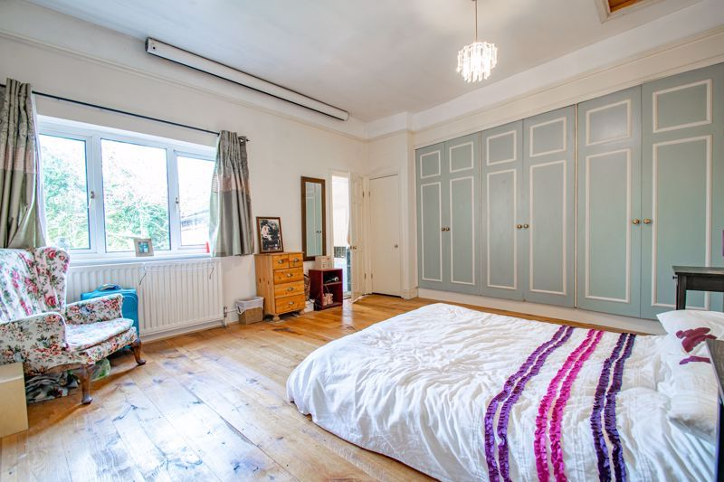 6 bed house for sale in Worcester Road 20