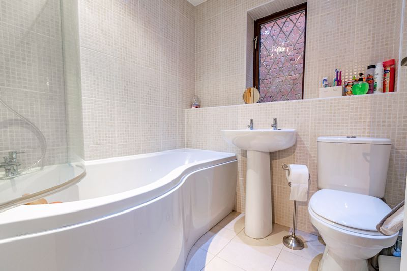 4 bed house for sale in Roman Way 12