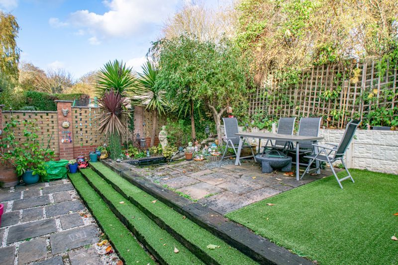4 bed house for sale in Roman Way 13