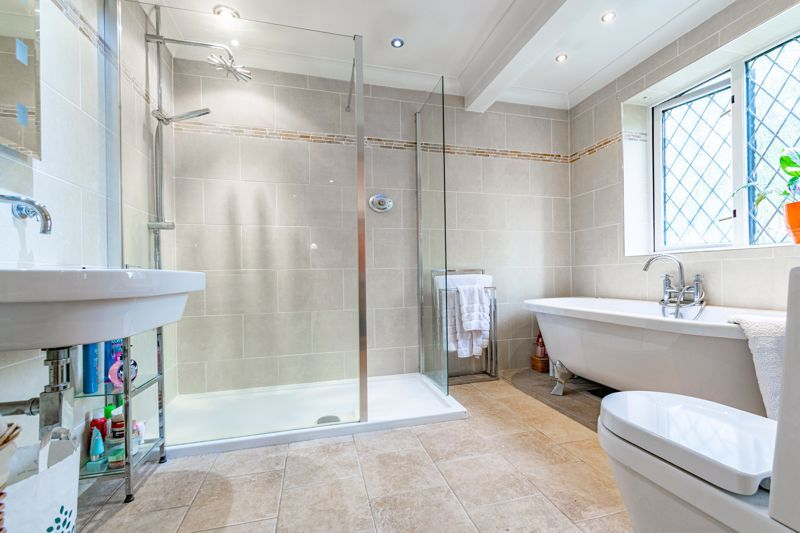 4 bed house for sale in Roman Way  - Property Image 16