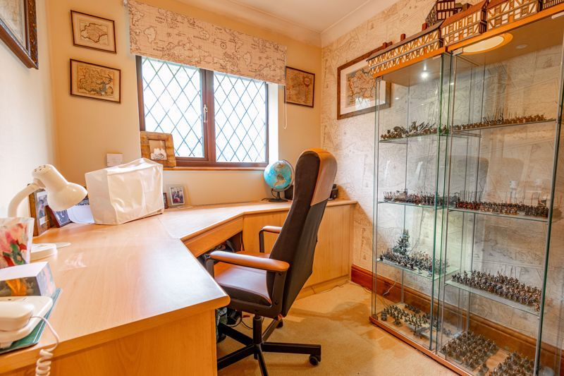 4 bed house for sale in Roman Way  - Property Image 18