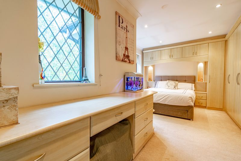 4 bed house for sale in Roman Way 8