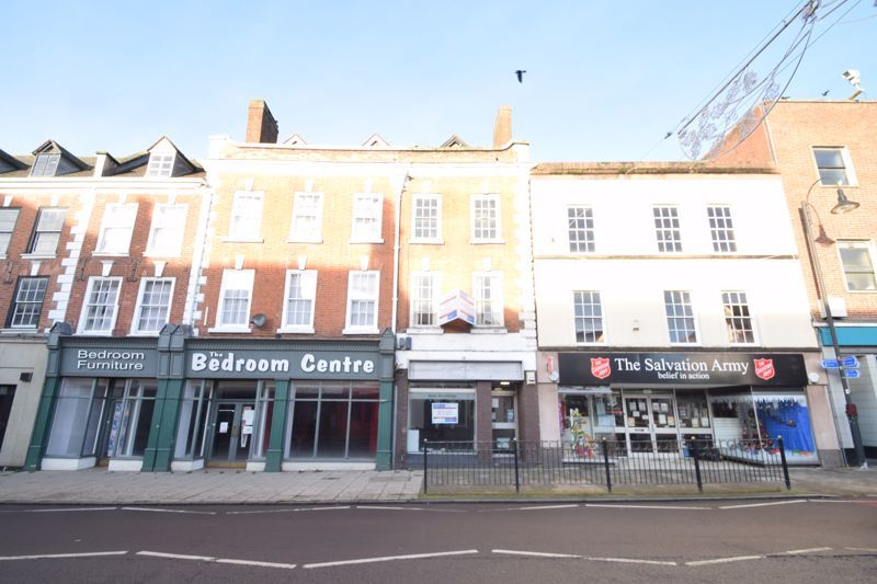 6 bed flat to rent in High Street 1