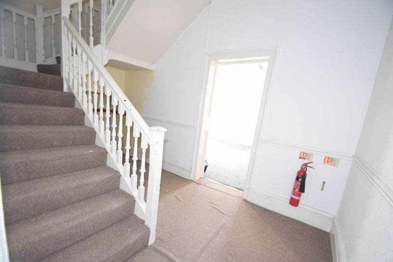 6 bed flat to rent in High Street 2