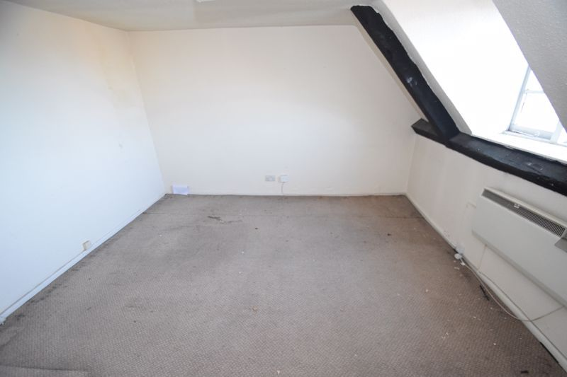 6 bed flat to rent in High Street  - Property Image 7