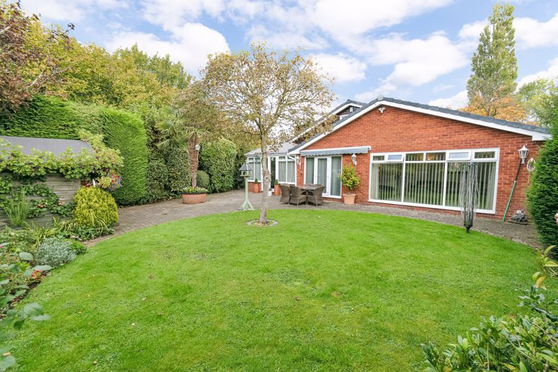 4 bed bungalow for sale in Alcester Road  - Property Image 13