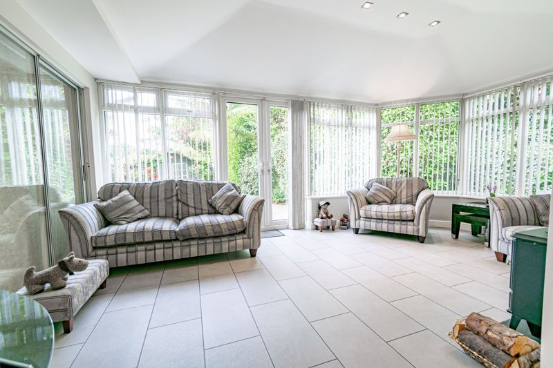 4 bed bungalow for sale in Alcester Road  - Property Image 16