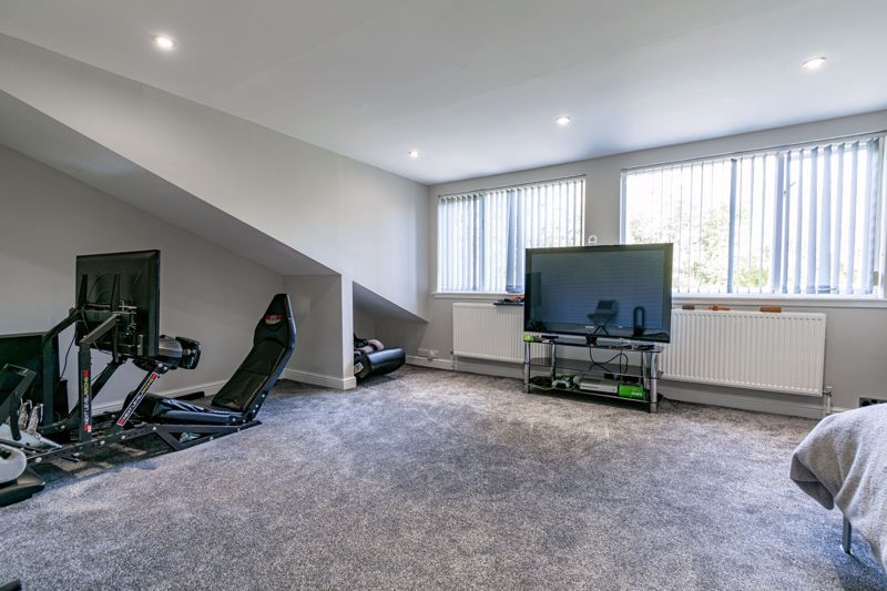4 bed bungalow for sale in Alcester Road  - Property Image 18