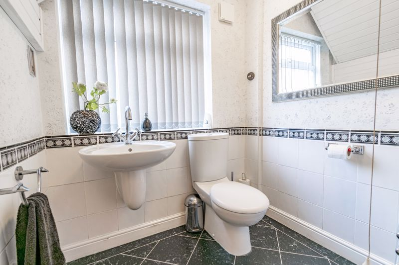 4 bed bungalow for sale in Alcester Road  - Property Image 20